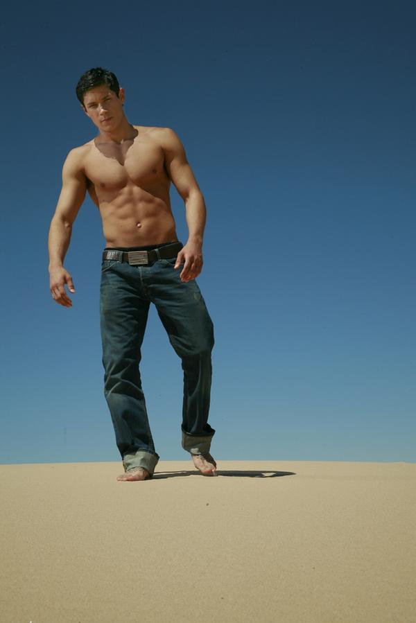 Alex Meraz Sexy Guy Squidoo 00