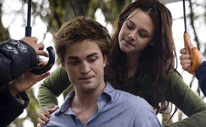 Robert Pattinson Pissed Over Breaking Dawn Leaked Photos