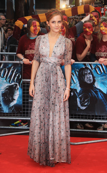 emma-watson-harry-potter-half-blood-hp6-premiere-ossie-clarke-dress