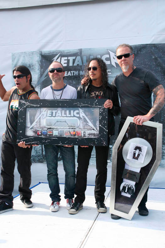 metallica playlist for writers typing tunes the idea girl says word press. Black Bedroom Furniture Sets. Home Design Ideas