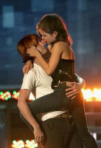emma watson kissing a girl. -and-emma-watson-kissing-1
