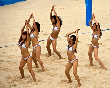 -zumba-dancing- sexy white bikini girls