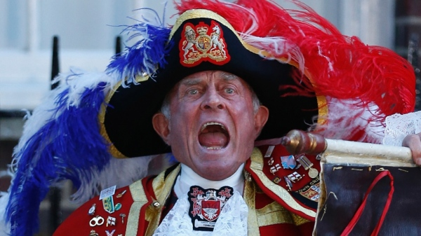 royal town crier gives the news of baby boy to duke and duchess of cambridge prince william and kate middleton st marys hospital UK