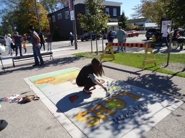 Dream hannah dobbie  Ridgeway Fall Festival Chalk Artists 12 oct 2013 linda randall