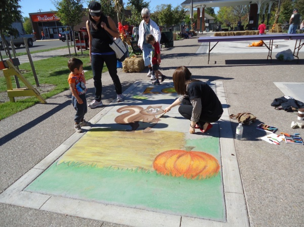 hannah dobbie DREAM  Ridgeway Fall Festival Chalk Artists 12 oct 2013 linda randall