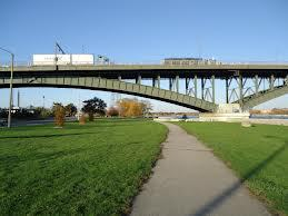 niagara-parkway-trail-walk-run-hike-cycling-great-waterfront-trail-adventure-lake-erie-fort-erie-peace-bridge-linda-randall-idea-girl-canada-igc-entertainment-canada-film-projects